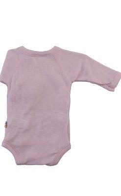 Langærmet body til for tidligt født. Lyserød svanemærket merinould. Bagsiden.