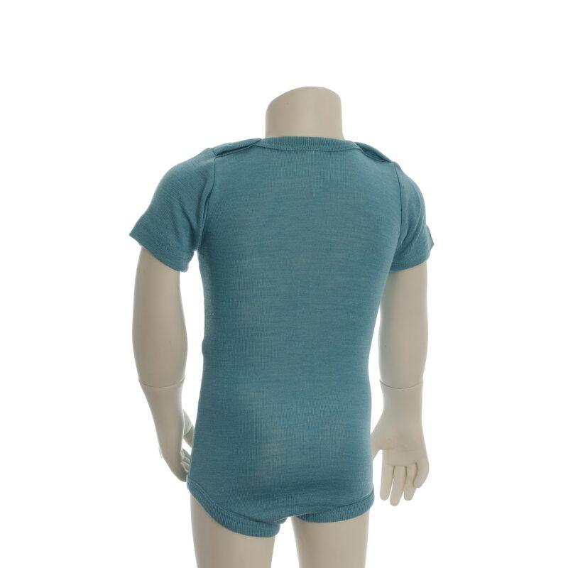 Økologisk body med korte ærmer. Engel body i turkis uld silke. Set fra bagsiden.