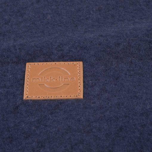 Elefanthue i blå softuld. Mikk-Line. Close up