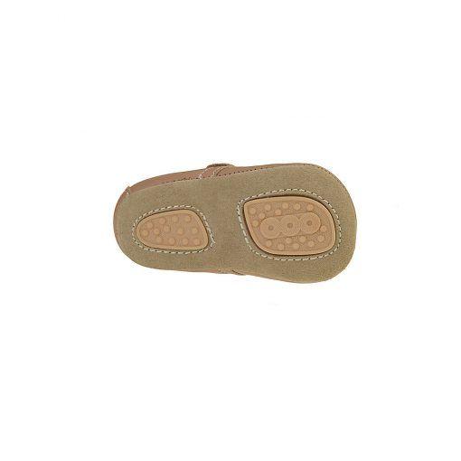 Hjemmesko i læder med uldfor. Velcrolukning og ruskindssål med skridsikker gummi. Her ses sålen af ruskind med 2 felter af skridsikker naturgummi.