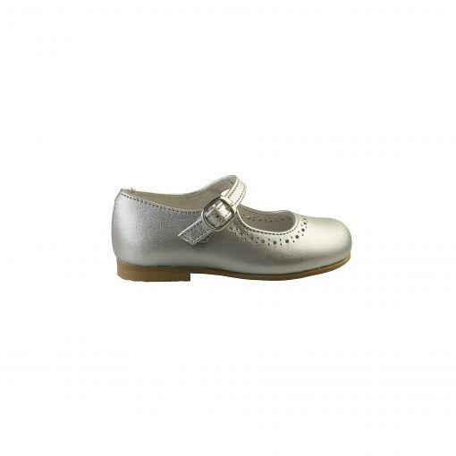 Ballerina sko i sølv. Sko i ægte skind. Set fra ydersiden. Alerin.