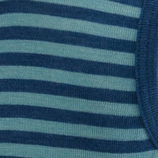 Økologisk undertrøje til dreng. Detalje af mønster.