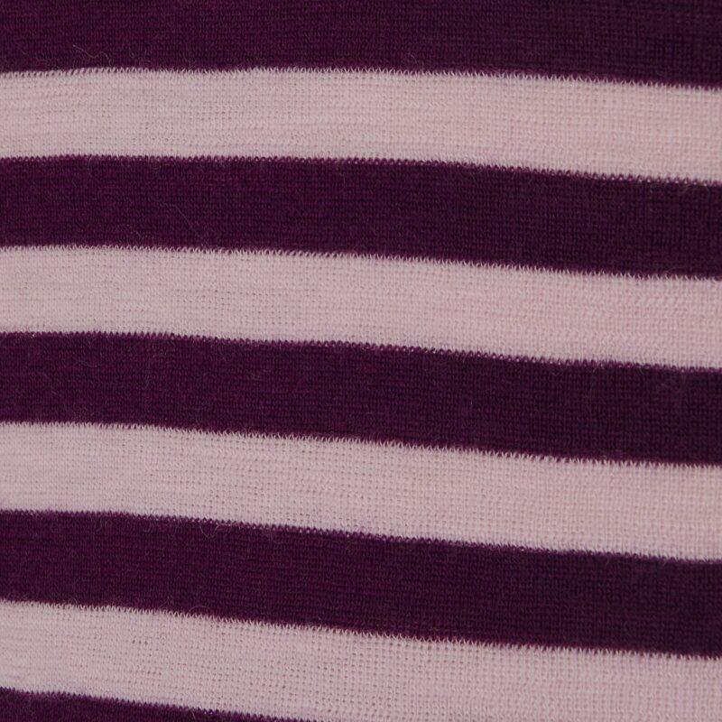Joha body med lange ærmer. Brede rosa striber. 100% uld. Svanemærket body. Detalje af mønster.