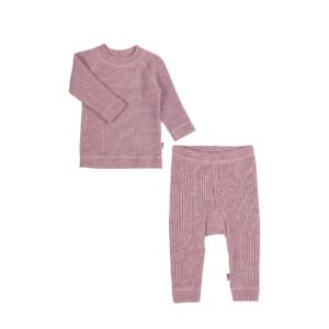 Bluse og bukser i uld. Ribstrik i rosa. Joha.