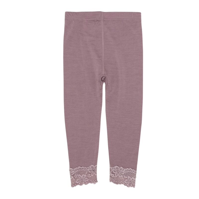 Leggings til pige i uld silke. Støvet rosa og bed fin blondekant ved fødderne. Bagsiden.