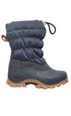 Vinterstøvle til barn med vandtæt sål og vandafvisende. Set fra siden.