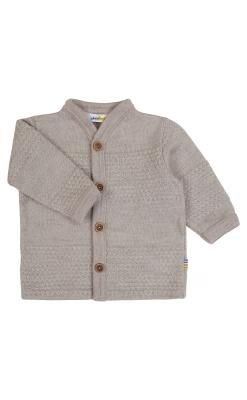 Cardigan i strikket sømandsmønster til barn. Sandfarvet uld fra Joha.
