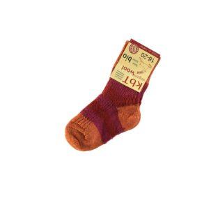 d1eed411b78 Sokker til barn i økologisk uld. Røde sokker med orange striber. Hirsch.