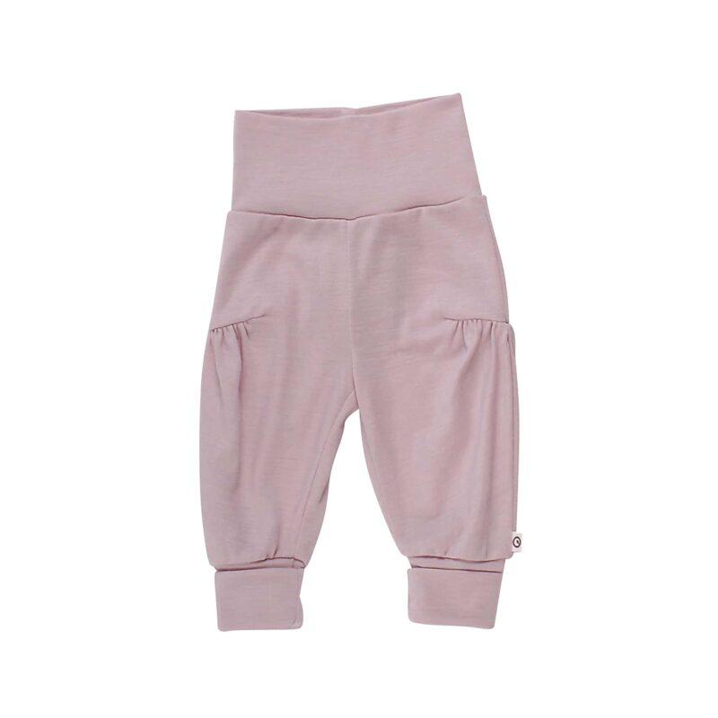 Bukser til baby i rosa uld silke. Flæser på ben. Müsli. GOTS.