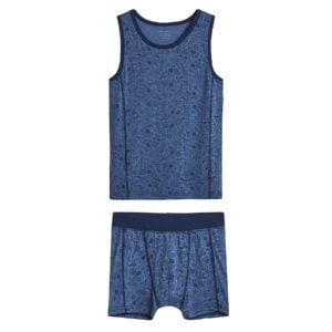 Sæt af undertrøje og boxershorts til dreng. Blå uld silke med blå print. Hust & Claire.