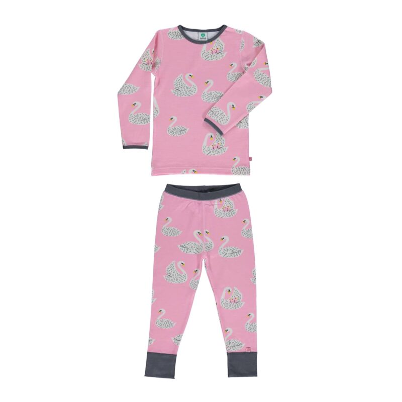 Nattøj sæt til pige. Natbukser og natbluse fra Småfolk i uld og bomuld. Lyserød med svaneprint.