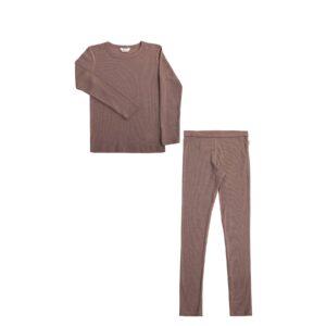 Joha skiundertøj. Sæt bestående af langærmet undertrøje og lange underbukser. Sæt i gammelrosa uld silke.