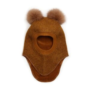 Huttelihut elefanthue med 2 kvaste. Okker farvet uld og kvaste.