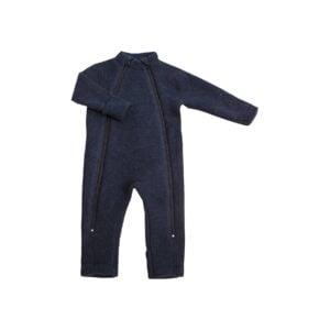 Joha køredrgt i mørkeblå uldfleece. Model med dobbelt lynlås og tryllefod / folde om ved hænder og fødder. Svanemærket.