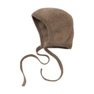 Baby hue i uldfleece. 100% økologisk uld. Valnød-farvet hjelm fra Engel. GOTS.