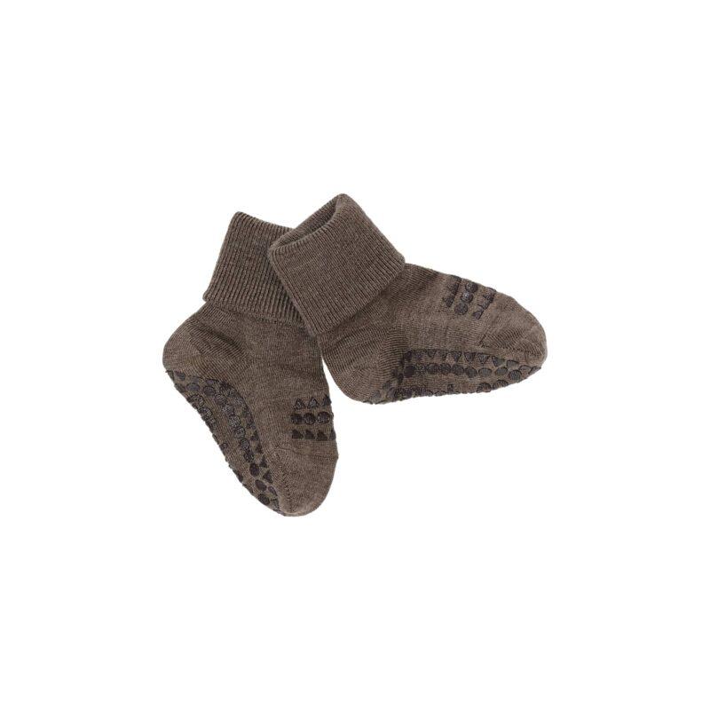GoBabyGo strømper i uld. Skridsikre strømper i brun valnørefarve.